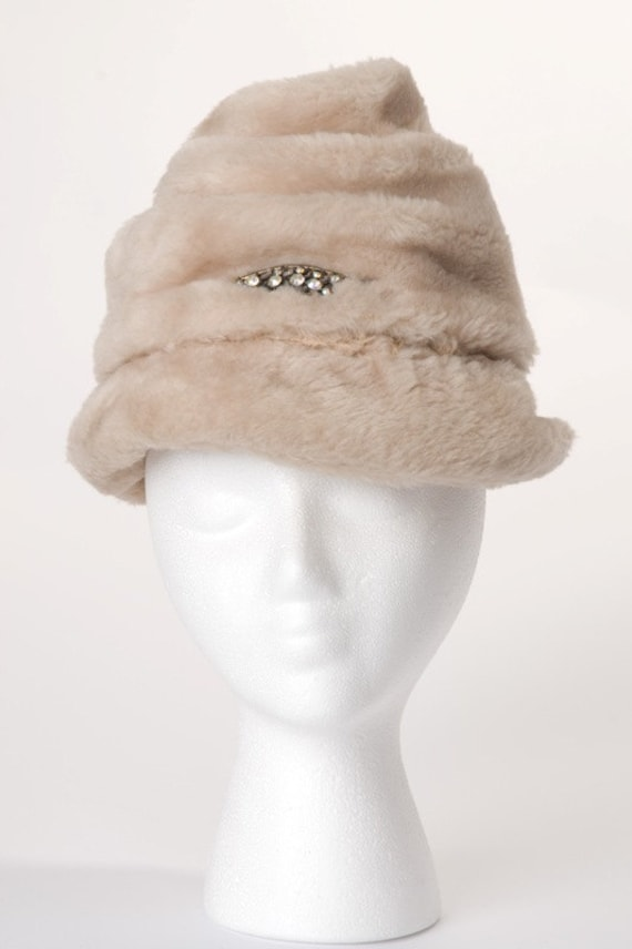 Vintage 1960s Faux Fur Hat