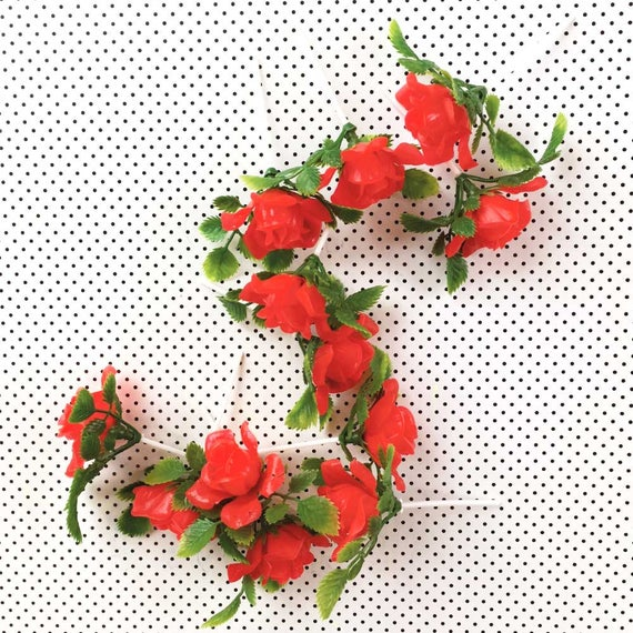 Red roses cupcake toppers (12), Valentine cake picks, Plastic floral garland, Artificial flowers, Floral cupcake picks, Plastic rose