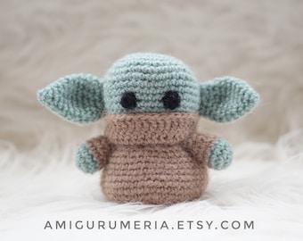 FREE AMIGURUMI PATTERN: Star Wars Yoda | | 270x340