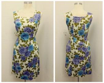 CUTE 1960's Floral Print Shift Dress - Sheath Dress - Wiggle - Rose Print - VLV  - Size M