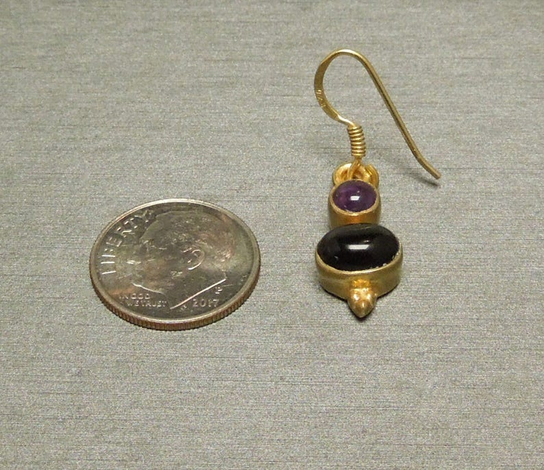 Vintage Ancient Roman Style Estate C1980 925 Gold over Sterling Silver Cabochon Amethyst /& Black Onyx Dangling Hanging Earrings 1.25