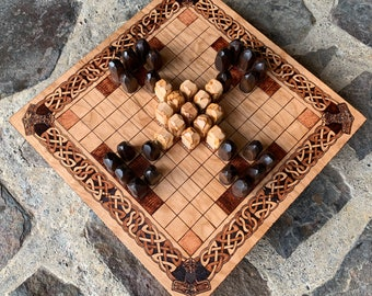 Hnefatafl: 11x11 square grid; historic Welsh Tawlbwrdd & modern Skjaldborg variants, Handmade Wood Board Game, Customizable – MADE TO ORDER