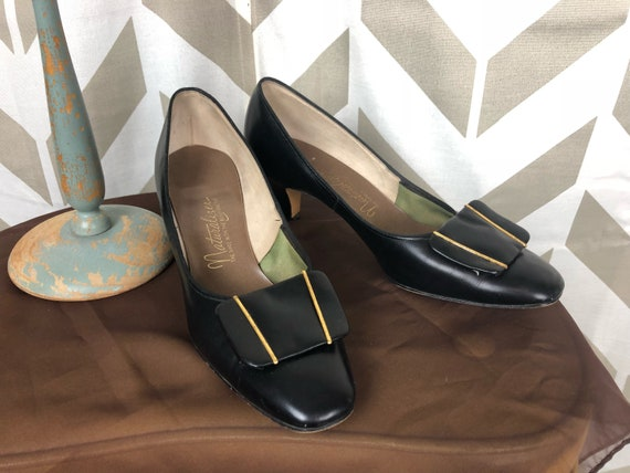 60s Black and Gold Naturalizer Shoes 60s Pin Up Shoes Black Short Heels Retro Pumps