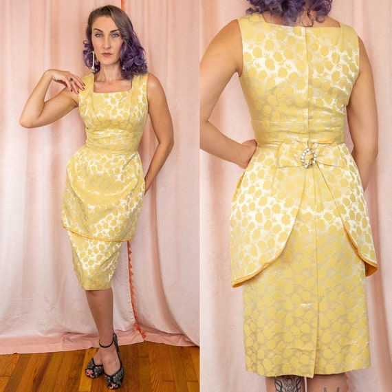 1950s Small Yellow Dress - Strawberry Dress - Yell