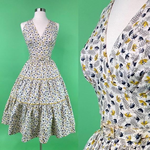 Vintage 1950s Halter Dress XS 24 Waist - White Yel