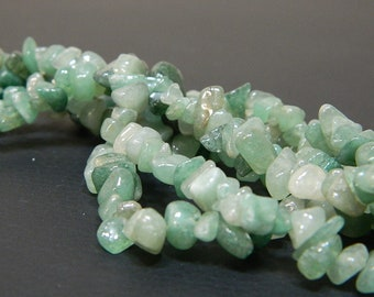"""GREEN AVENTURINE SMALL TUMBLE CHIP BEADS 50 BEADS or 36/"""" STRING"""