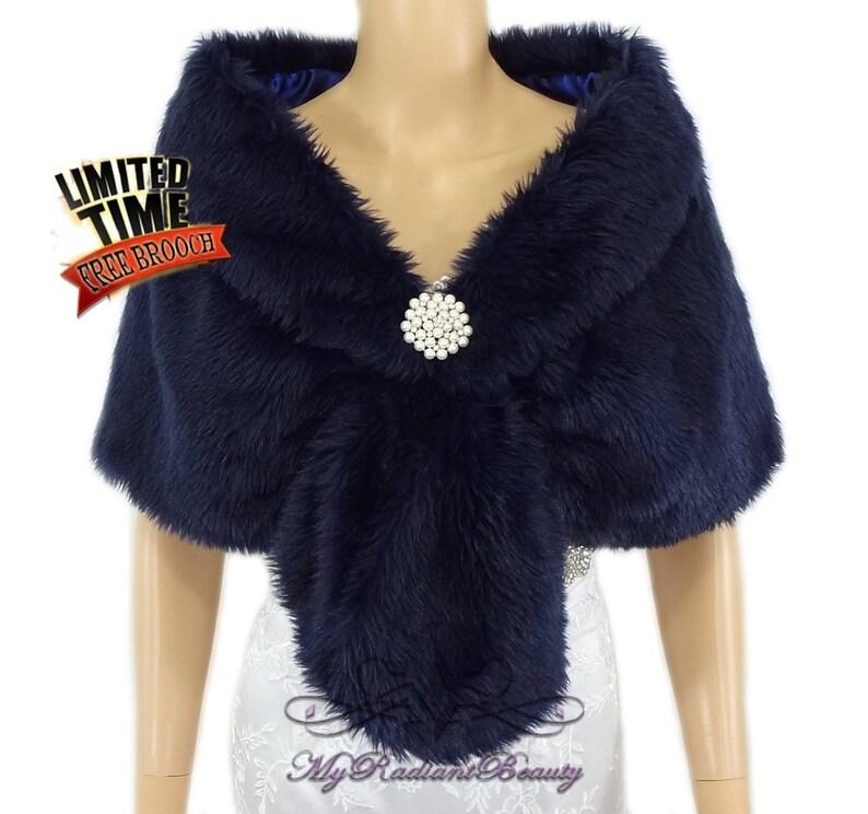 quality design 42c32 6b635 Stola di pelliccia finta, Blu Navy Pelliccia Coprispalle, Coprispalle da  sposa, ha rubato pelliccia scialle, Faux Fur Shrug, matrimonio, abiti di ...