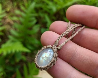 Macrame Moonstone healing crystal necklace ~ short dainty necklace ~ braided string necklace ~ Rainbow Moonstone ~