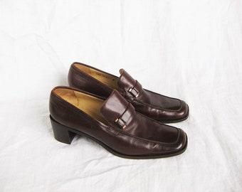 8bdbc8c2f59 90s Minimalist Gucci Loafers 9 40