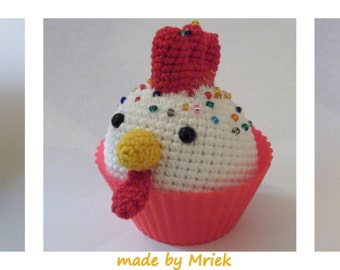 Dutch crochet pattern: cupcake elephant, chicken and sheep