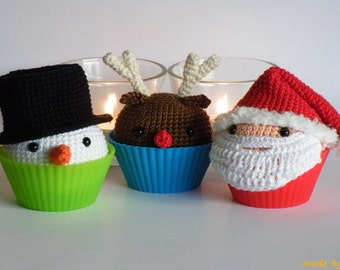 Dutch crochet pattern: cupcake snowman, Rudolph and Santa