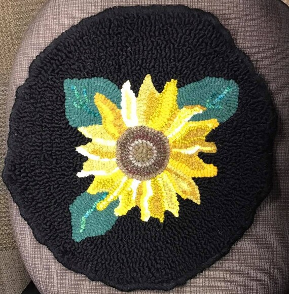 Sunflower Chair Pad Rug Hooking/Punch Needle Pattern 14