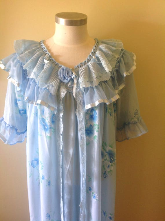 Vintage blue nightie set, house coat and night gow