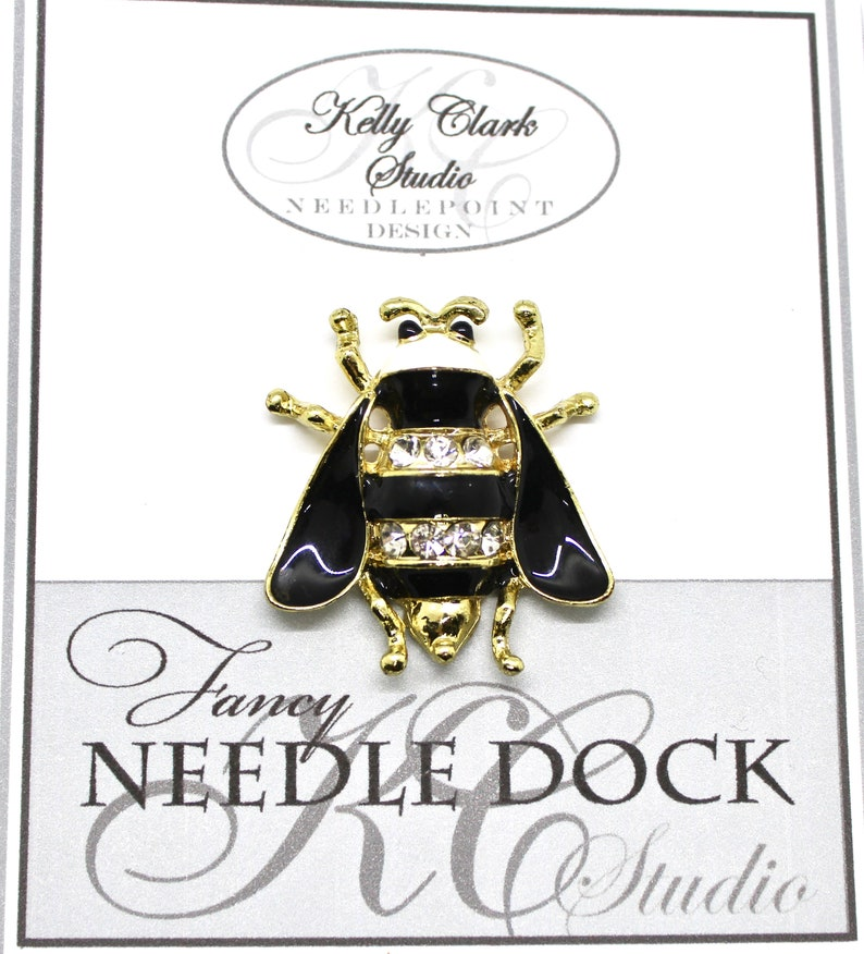 Canvas Magnet Bumble Bee Needle Dock Needle Minder Needle Garage