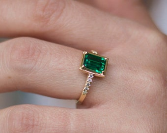 emerald ring, emerald solitaire, may birthstone ring, emerald gold ring, emerald engagement, green gemstone,  vintage ring, anniversary ring