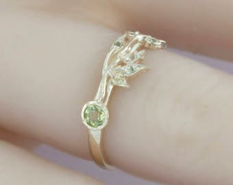 Peridot gold ring, leaves ring, leaf ring