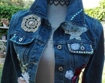 Denim saldi! giacchino giubbino Upcycled jeans boho  vintage ricamo meraviglioso donna chic paillette fiori pop art discoteca glamour woman