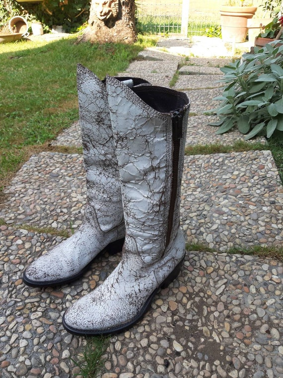 Boots vintage white leather woman crust 80s style