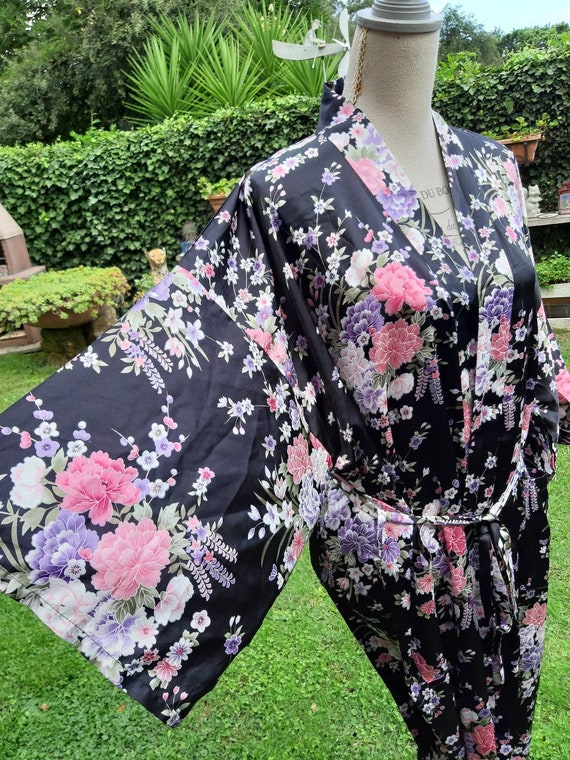 Kimono black dressing gown flowers bride woman mom