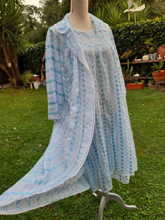 Coordinated shabby chic vintage dressing gown wedd