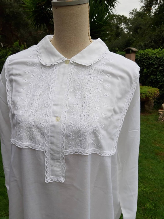 Vintage white nightgown 50s mom hospital breastfee
