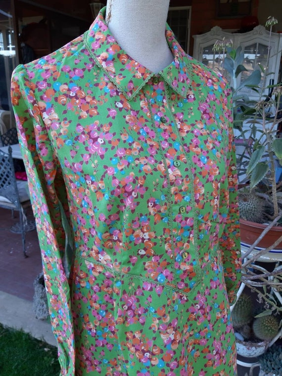 Vintage 70s short green psychedelic chic orange ni