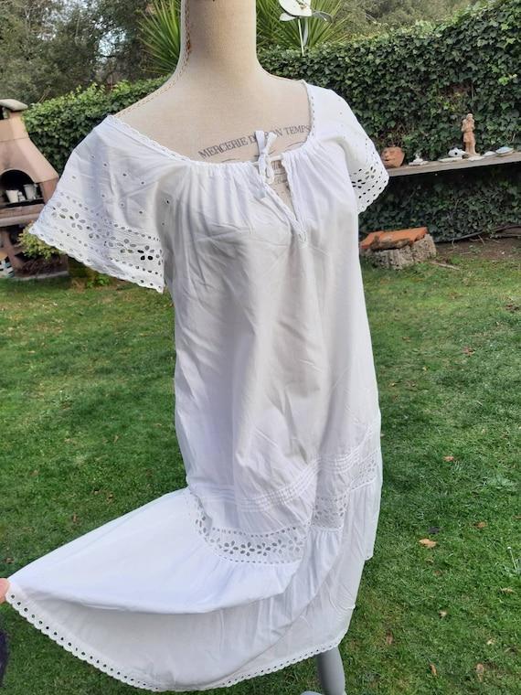 Vintage 60s vintage nightgown white linen grandmot