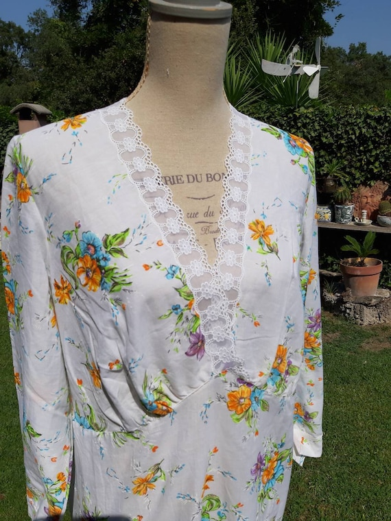 Vintage nightgown 70s country festival flowers ora