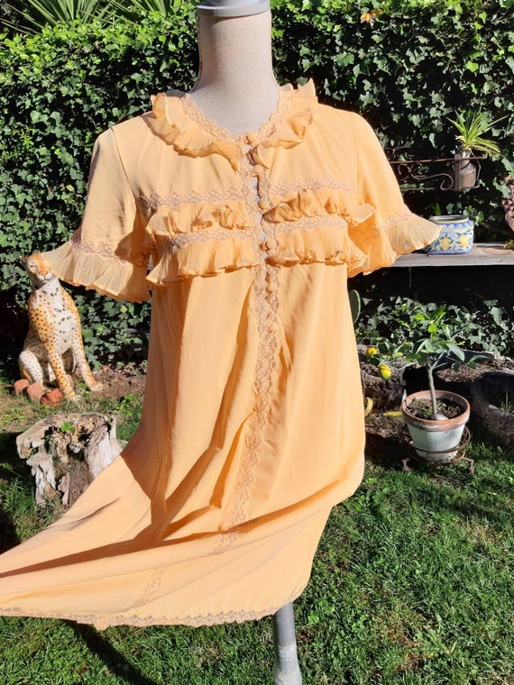 Vintage nightgown 60s ruffle pleated lace nightgow
