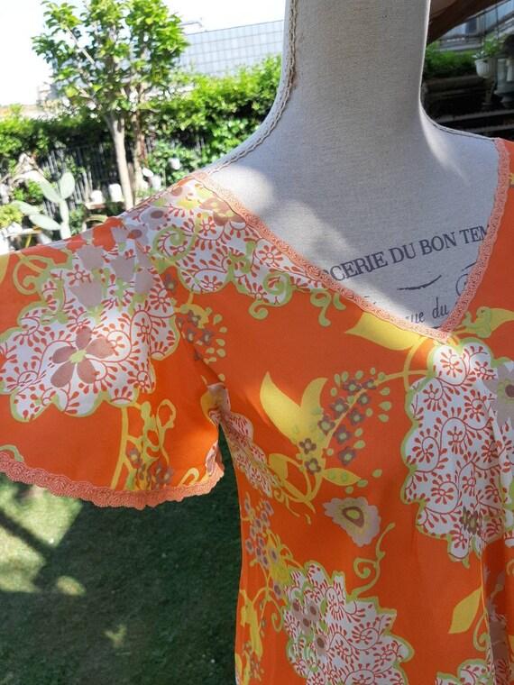 Vintage nightgown 70s short psychedelic orange chi