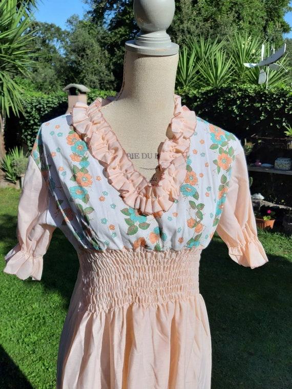 Vintage nightgown ruffle original salmon peach flo