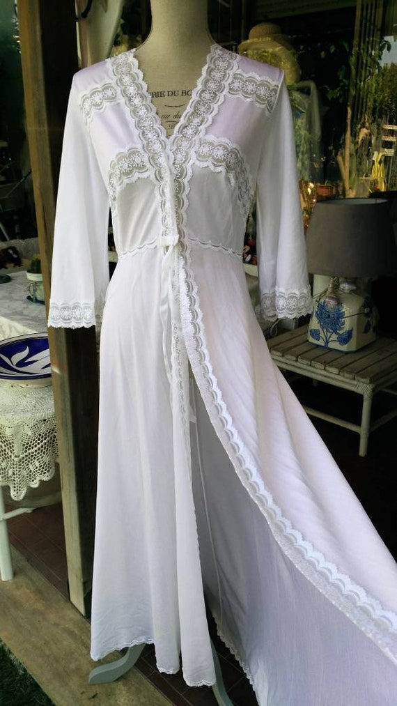 White robe Shabby chic vintage dressing gown vintage chic