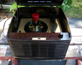 Vintage Brown Bakelite Record Player, Circa 1951 RCA 45, Model 45-EY-3 Completely Restored