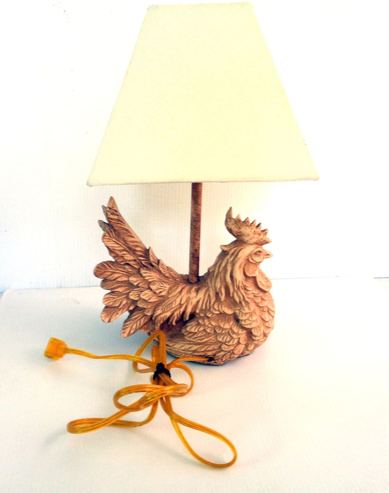 Collectible 1950s Lighting Americana Rustic Home Decor Lamp Shade Vintage Country Kitchen Chicken Hen Rooster Table Lamp with Lampshade