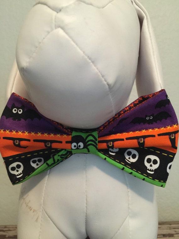 Noeud papillon Collier fixation & accessoires pour chiens et chats / HALLOWEEN crânes, des araignées, des fantômes et des chauves-souris