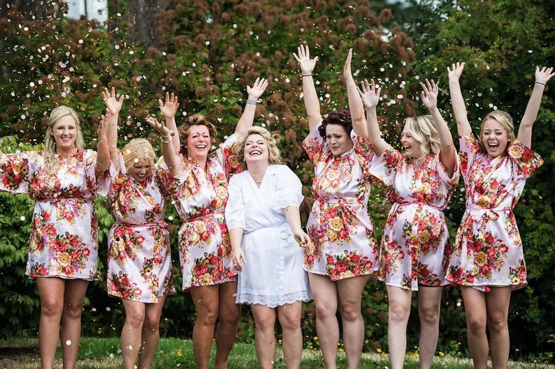 39a0c9635cc Set of 6 Bridesmaid Robes Floral Robes Bridesmaid Gift