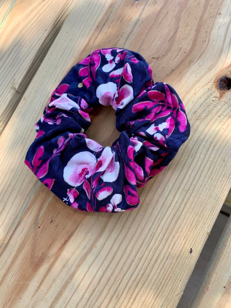 100/% Cotton Accessories Botanical Hair Accessories Asian Inspired Navy Blue and Pink Floral Hair Scrunchies Scrunchie Pack