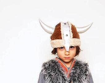 Helm zum Wikingerkostüm