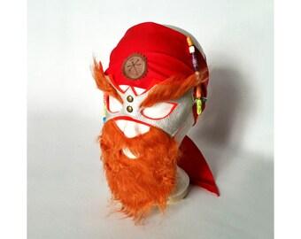 Maske mit rotem Bart