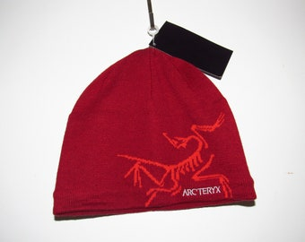 ba7c33eee00 ARCTERYX Beanie Red 1 size fits all