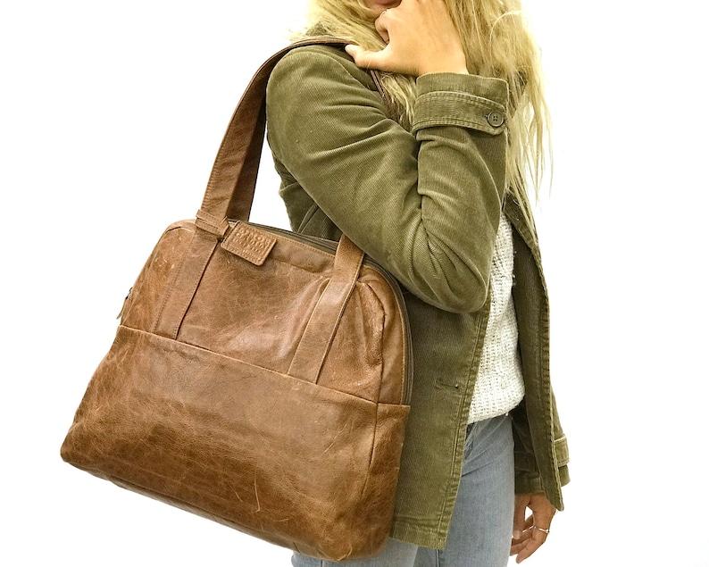 e3b302709 Brown Leather handbag Zipper tote bag Woman Distressed brown   Etsy