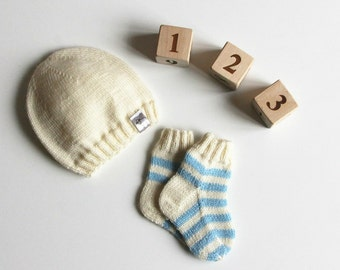 Newborn knitted baby hat / Knit baby hat / Baby socks / Knitted baby clothes / 0-3 months