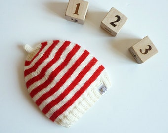 Hand knitted baby hat / knit baby hat / Merino wool baby hat