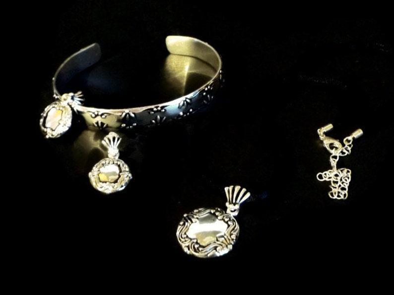 836da328c377 Avon joyería Set 3 piezas incluye brazalete pulsera aretes