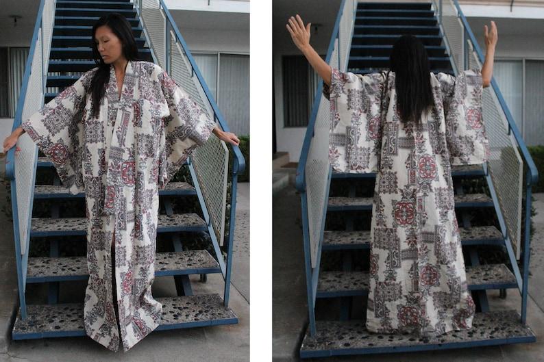 6d33d6c8a68 Unique Vintage 70s 80s Sparkle Kimono Robe Dress Jacket