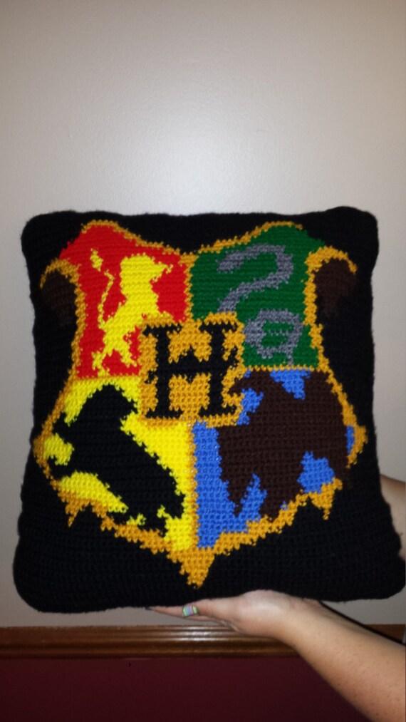 Crochet Pattern Harry Potter Hogwarts Crest Inspired Pillow Etsy