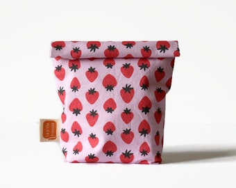 Reusable snack bag or sandwich bag in Doggy bag format - Strawberry in pink2