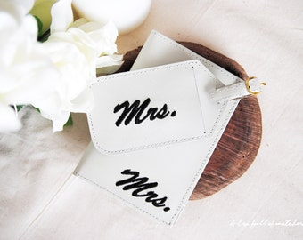 Luggage Tags & Passport Set - Mr and Mrs