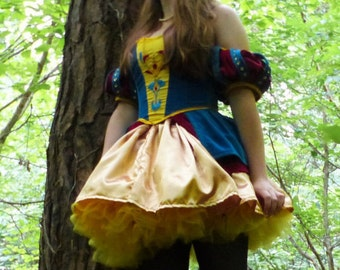 Red and blue velvet snow white cosplay costume