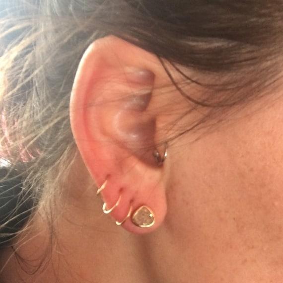 Minimalist Mini Cartilageendlesscatchlesstragushelixhex Ear Hugger Helix Piercing Hoops 14K solid Gold 22 gauge Cartilage Hoop